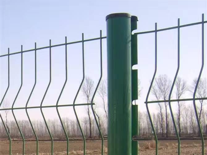 桃型柱护栏应用