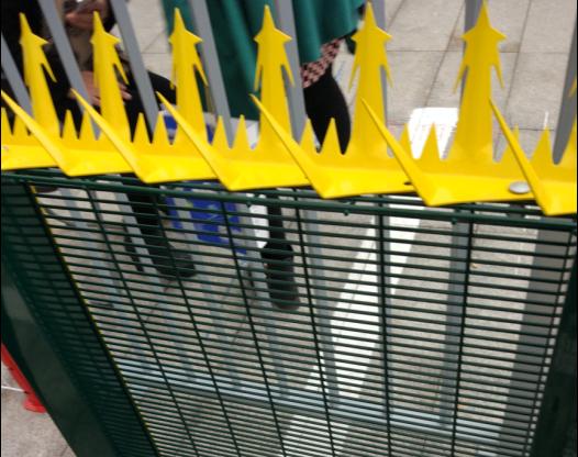 围栏防攀爬护栏刺钉