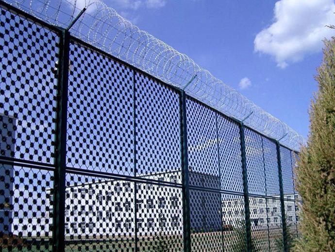 监狱梅花刺片隔离网